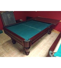 Comercial pool table